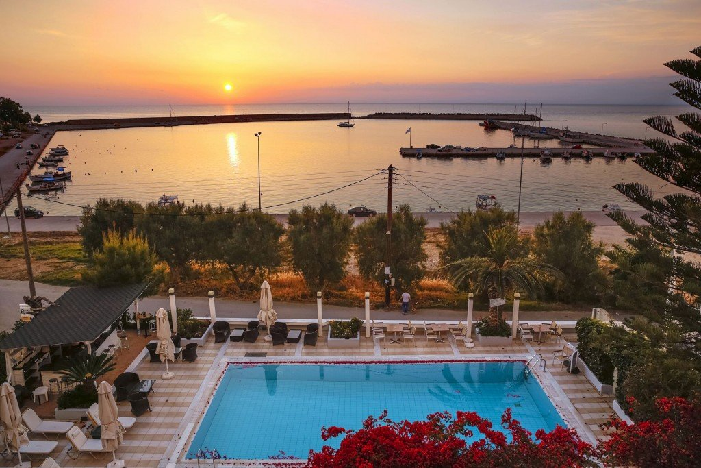 exteriors Kyparissia Beach Hotel   Kyparissia Messinia Greece
